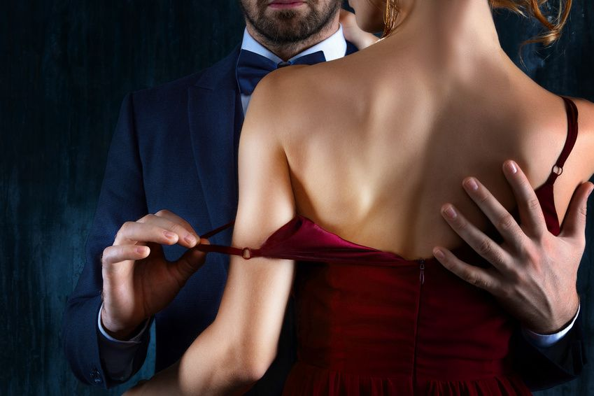 How to date a married woman: find tips here